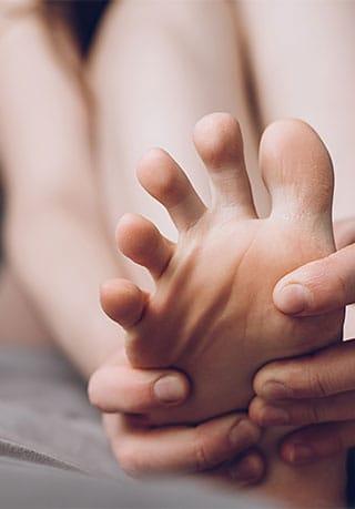 Oliver-Wellness-Neuropathy-Feet